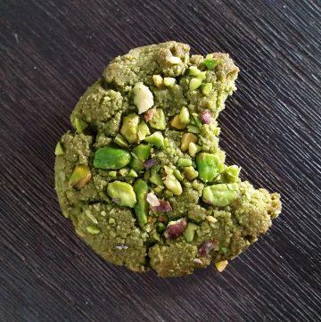 Matcha pistachio cookies